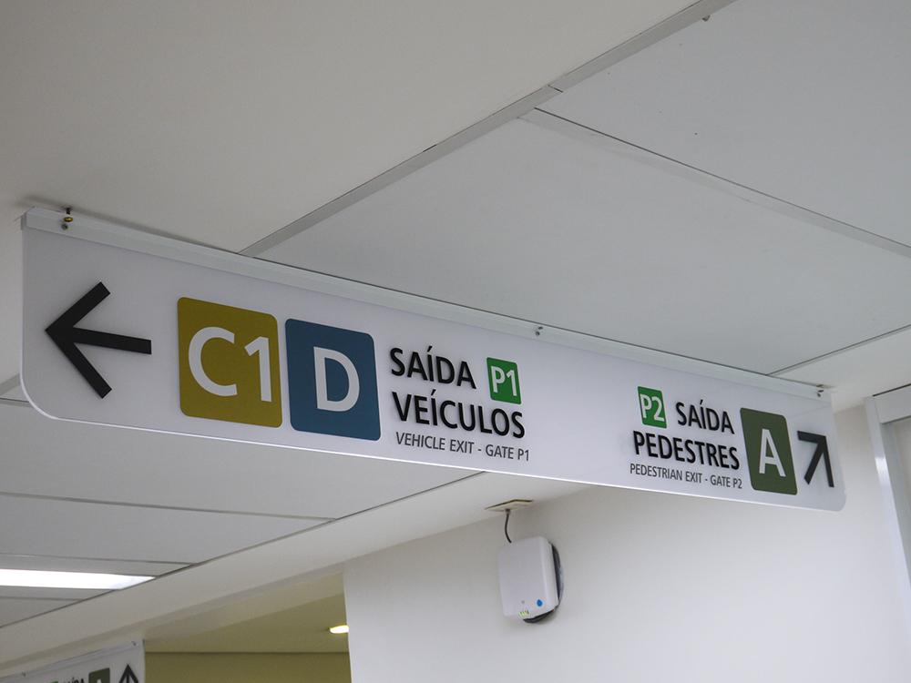 Placa Direcional de teto