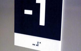 Placa braile de batente do elevador