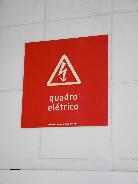 Placa de aviso - quadro elétrico